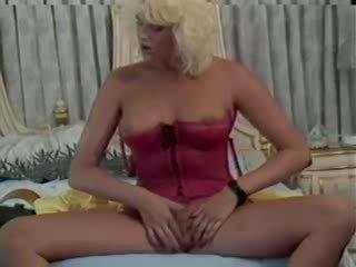 Famous classic Pornstar Peter North jizz shot scene