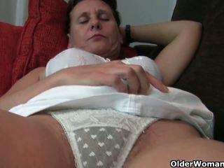 奶奶 同 毛茸茸 的陰戶 和 armpits needs relief