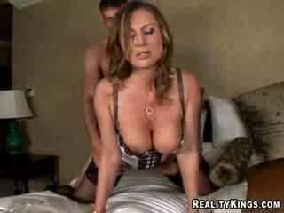 Devon lee - devon znamk jordan plačati za stumbling v ji soba na nesreča s izdelava mu jebemti ji kurba da ji liking.