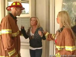 बस्टी firewoman nikki benz