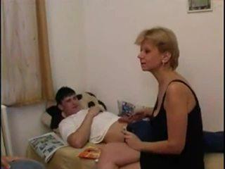 oma porno, heetste moeder