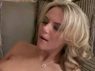 Dissolute laska ashlynn brooke knows jak do mleko the bump na zewnątrz z a smut copulatestick