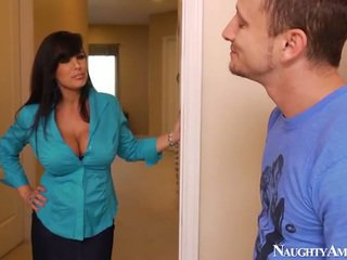 Bigtitted âgé lisa ann has got laid