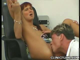 Playgirl Enjoys Clinic Cunt Licking