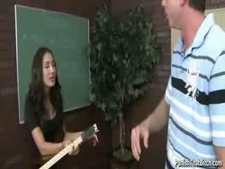 Studente insegnante amia miley punito