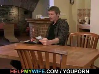 Lui bangs suo giovane moglie