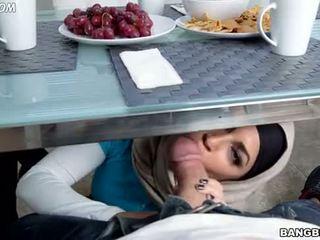 výstrek, arab, sestra