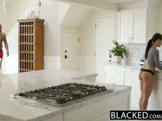 Blacked φιλενάδα adriana chechick cheats με ένα τεράστιος μαύρος/η καβλί