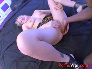 Squirting blonde multiorgasmic exhibitionist slap on ass ! French amateur