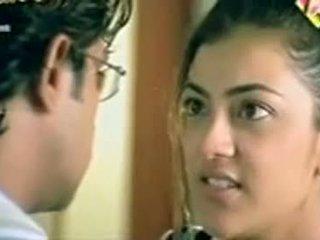 Telugu actriz kajol agarwal que muestra tetas
