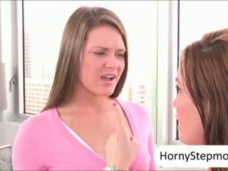 Abby korsa och diamond foxx pounded och sharing cum