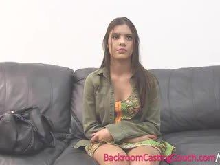 Ado insemination sur casting canapé