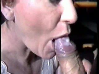 grande, succión, semen en la boca