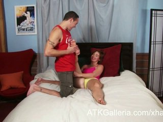 Jodi taylor enjoys henne anal og rubs i sæd
