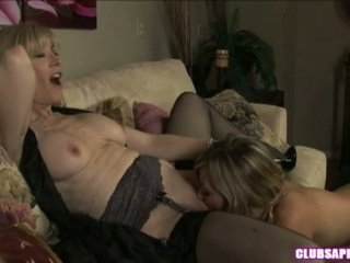 Nina Hartley Goes Dyke Imbecilic Onto The Bed Having Her Muff Dived
