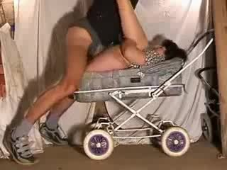 성숙한 엄마 뜨거운 씨발 에 stroller 비디오