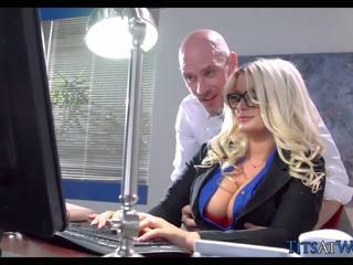 Γαμήσι με thick ξανθός/ιά γραμματέας, ελεύθερα πορνό 41