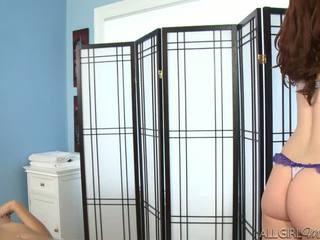 Melody uses a wibrator giving kimberly gates a głębokie pocierać