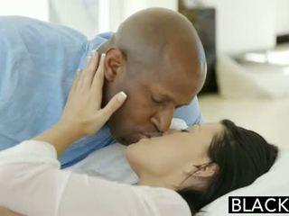 Blacked tonårs beauty tries interracial anala kön