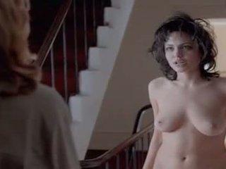 125 angelina jolie - gia hallway telanjang