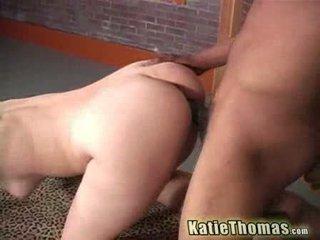 En chaleur katie thomas gets baisée par une noir