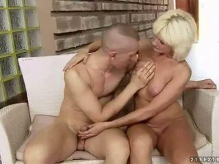 مفلس دهن جدة enjoys شاق جنس