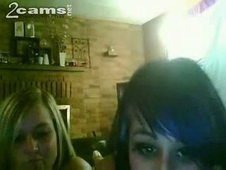 Some girlfriend decided to chat on webcam