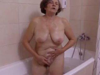 Une belle сюрприз au salle de bain по clessemperor