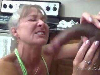 gelaats klem, u lang haar gepost, ideaal interraciale thumbnail