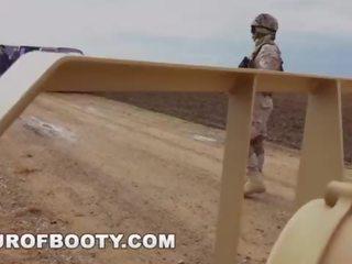 gratis militair, online arabisch neuken, echt uniform
