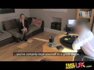Fakeagentuk media clad posh mqmf willing a intentar ella todo en la casting sillón