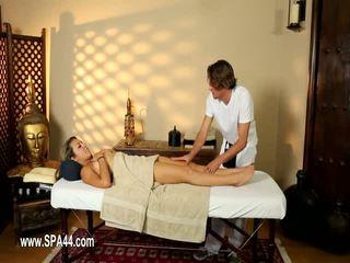 Schlecht babes gefickt schwer im besondere masseur