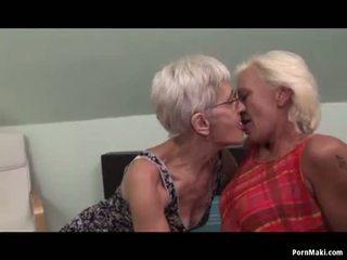 Lesbisk tanter having kul