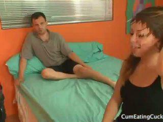 Mia gold has веселощі sharing хуй з її hubby