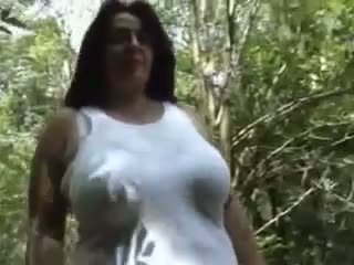 Mature with big titts R20