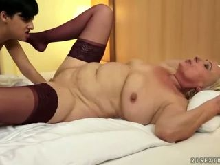 hottest pussy licking, hottest old, fun lezzy