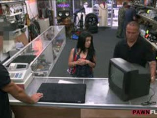 Curvy Latina Chick Fucked In The Pawnshop For Cold Cash