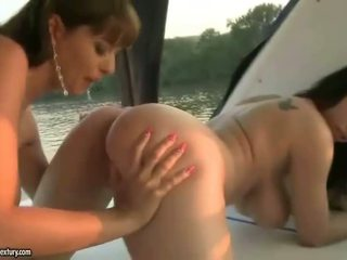 see brunette real, hottest kissing real, watch pussy licking