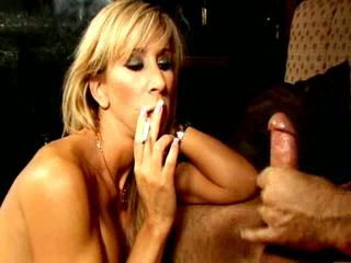 Blonde Smoker Slut Morgan Ray Gives Oral Sex