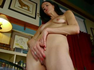 Dirty Mature Mom Fingering Ass and Pussy Holes: HD Porn ec