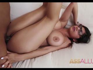 Mia khalifa plan à 3 avec monstre cocks