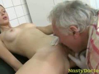 briunetė, senas + young, fetišas, hardcore