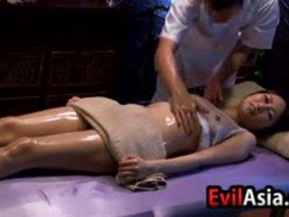 Anal creampie islak gömlek gets bir menstruasyon ve ipek