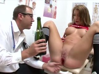 kijken brunette film, kijken orale seks, mooi deepthroat porno