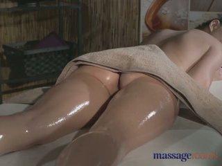 Massasje rooms tattooed stunner has vakker barbert hole filled med kuk - porno video 481