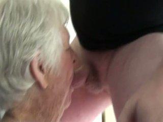 online oma film, verrassing, 2on1 porno