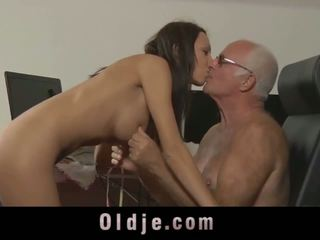 vol tieners, kijken brunettes video-, oude + young porno