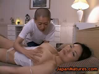 Diwasa bigtit miki sato masturbasi on bed 2 by japanmatures