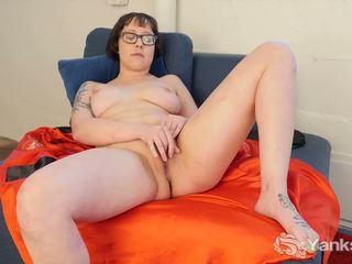 Girl in Glasses Vi Toy Her Snatch, Free Porn 2e