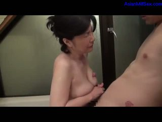Mature Woman Getting Her Hairy Pussy Fucked Giving Blowjob For Guy Cum To Mouth In The Bathtube